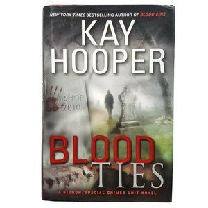 ☘️3/$30☘️ Blood Ties by Kay Hooper HC book